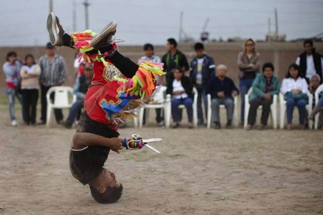 перуанский танец с ножницами фото 4 (650x433, 89Kb)