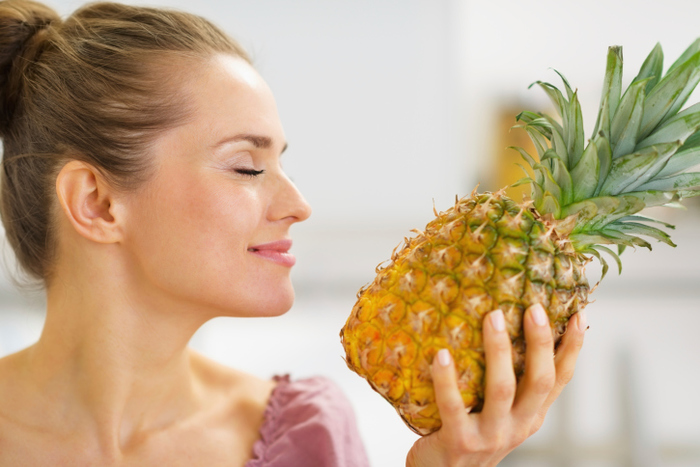 Восемь главных причин есть ананасы