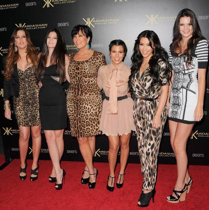 Женщины знаменитости маленького роста
