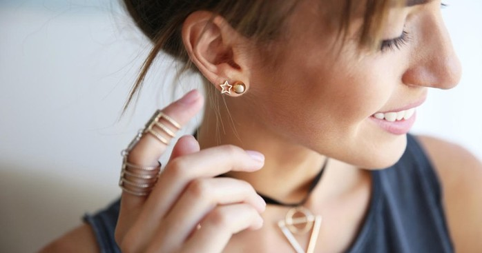 Почему опасно прокалывать уши и другие части тела