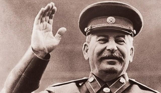 Какую роль сыграл Сталин в судьбе буквы Ё