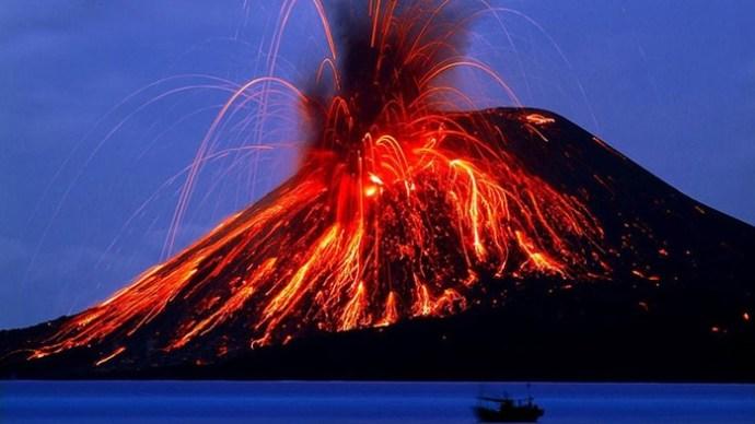 5 извержений вулканов, изменивших жизнь на Земле