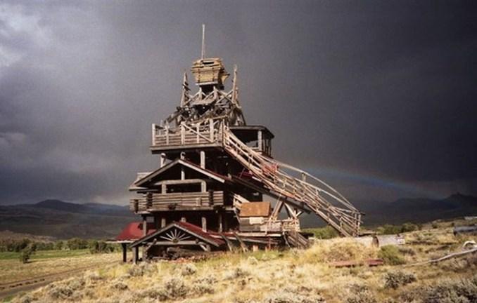 10 невероятных сооружений, которые люди построили в одиночку