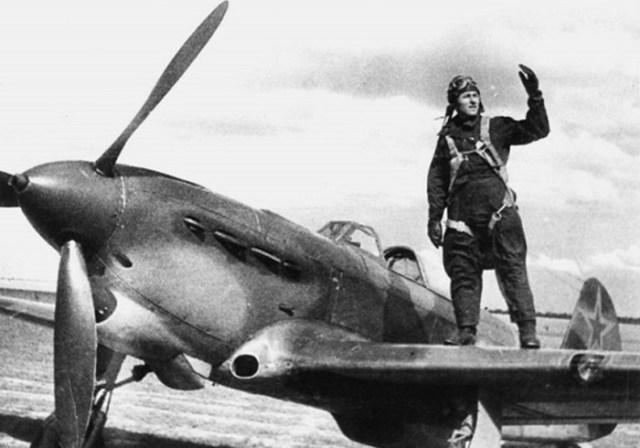 22 июня 1941 года советский летчик Иван Калабушкин уничтожил 5 немецких самолетов