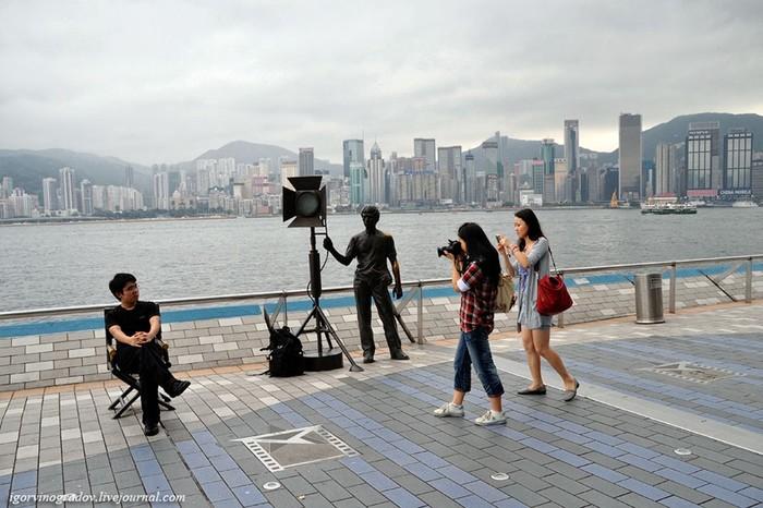 155 лет Гонконг оставался британской колонией...