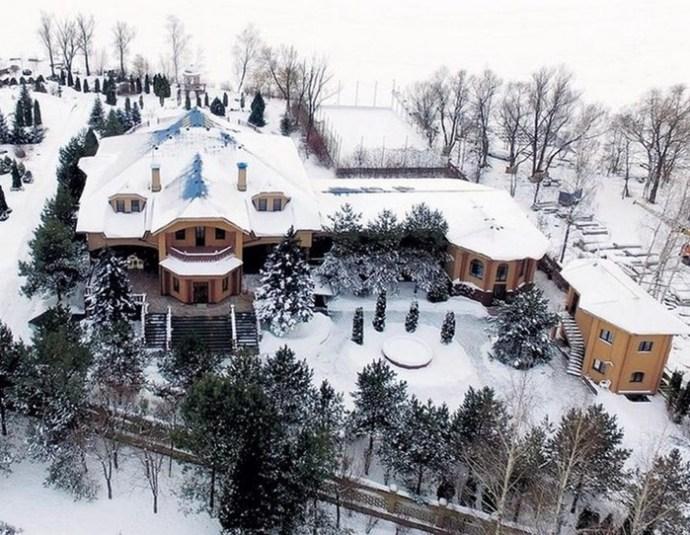 Красиво жить не запретишь: дома отечественных знаменитостей