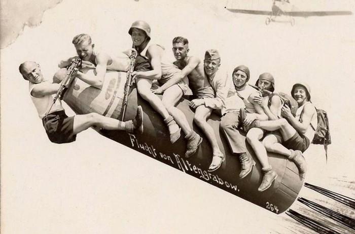 Ретро фотографии «дембелей» первой половины XX века