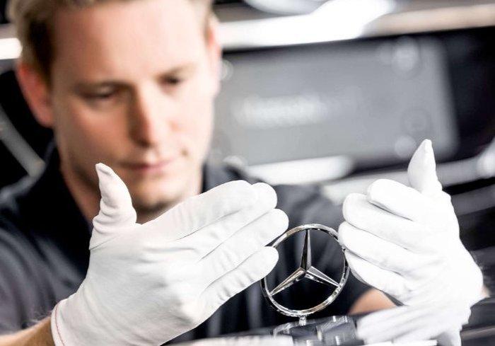 Стрелявшими из Mercedes в Москве оказались четверо подростков