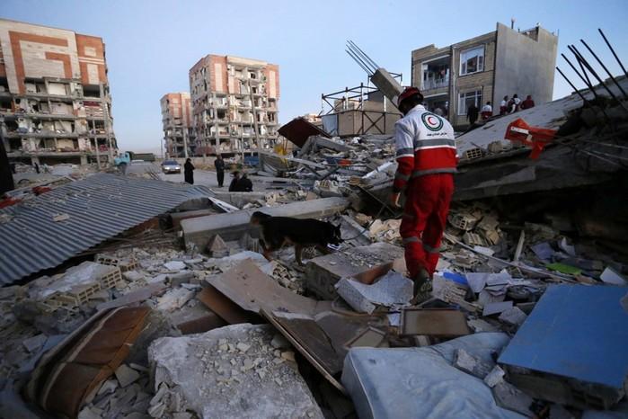 Мощнейшее землетрясение в Иране и Ираке: погибли сотни человек