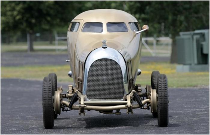 Ретро автомобиль «Golden submarine», опередивший свое время