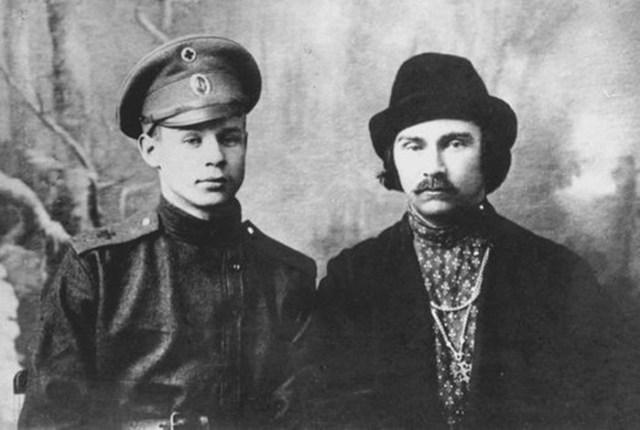 Были ли у поэта Сергея Есенина романы с мужчинами