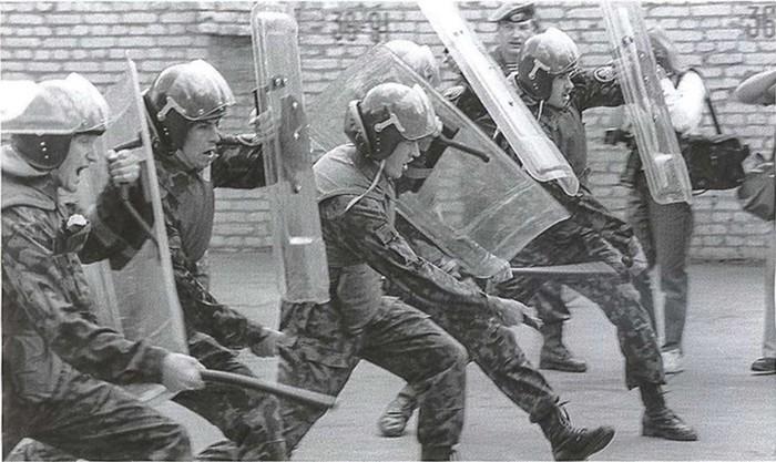 Для чего в СССР создали ОМОН
