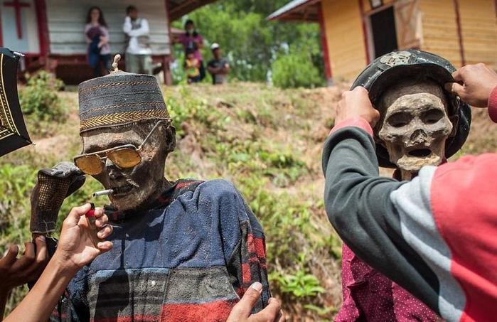 Двойные похороны. Зачем в некоторых странах выкапывают покойников?