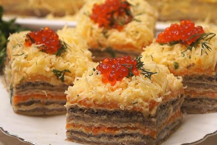 Закусочный селедочный торт на вафельных коржах. Хотите удивить гостей— тогда это то, что Вам нужно!