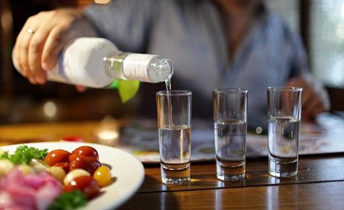 Когда на Руси появилась водка