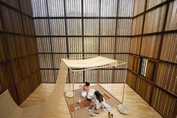 Целый город из бамбука построили в Китае