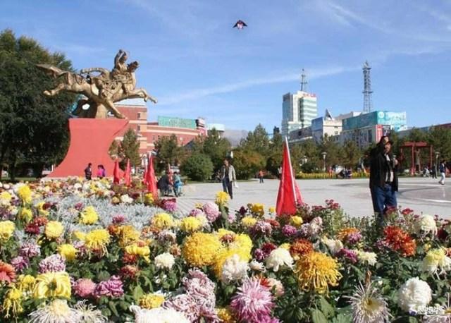 Интересный Алтай— город в Китае на границе с Монголией