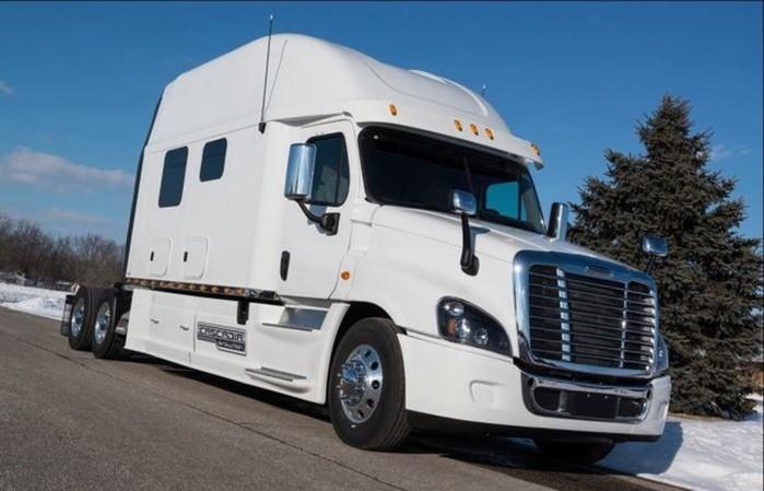 Тюнинг грузовиков: как американские дальнобойщики обустраивают свои тягачи