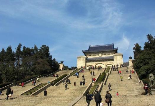 Мавзолей Сунь Ятсена в Нанкине