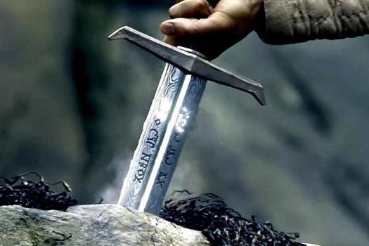Из московской квартиры украли меч короля Артура