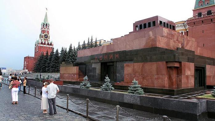 Как сначала хотели похоронить Ленина