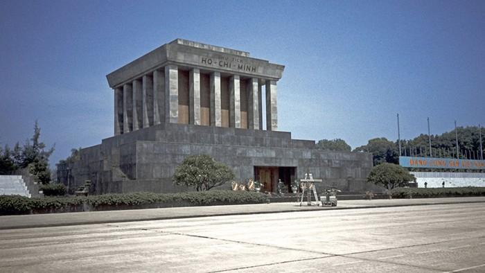 Какие мавзолеи построены для вождей разных стран