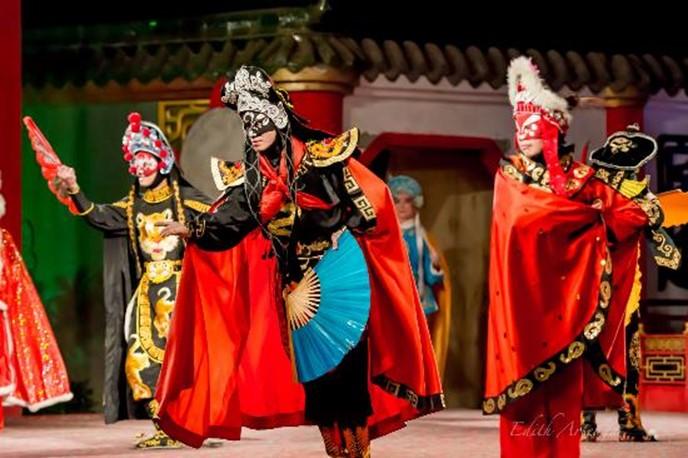 Чэнду— город памятник в Китае, известный великолепной природой