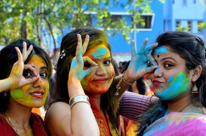 Индийский фестиваль красок Холи 2018 года