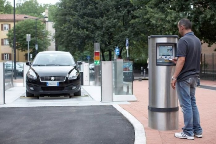 7 поражающих воображение парковок из разных стран