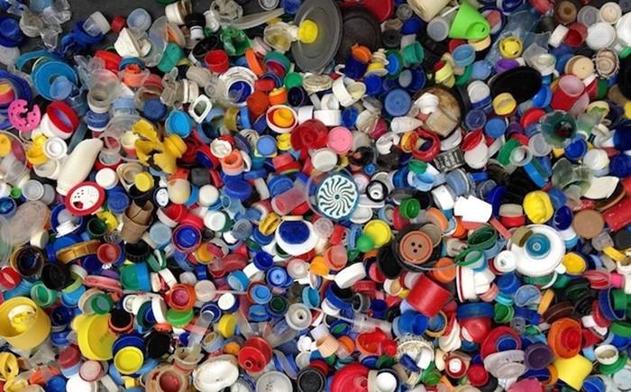 Зачем в Испании все собирают пластиковые крышечки