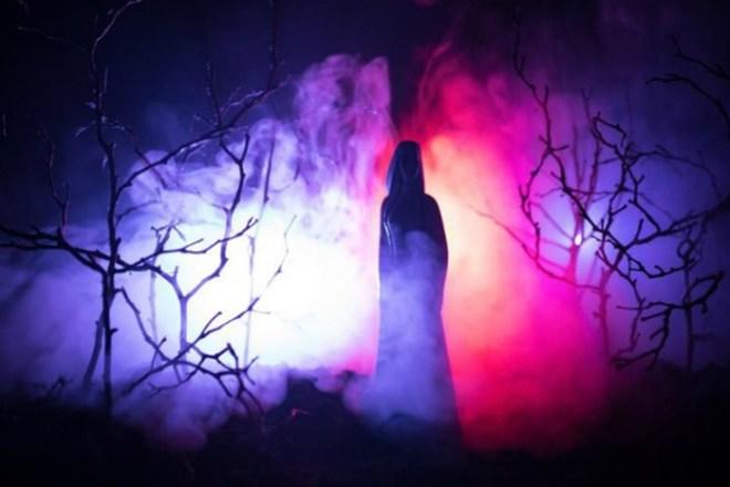 Почему свет убивает вампиров, объяснили ученые