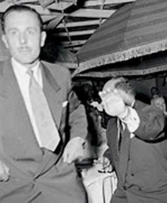 Самые скандальные фотографии знаменитостей, сделанные папарацци