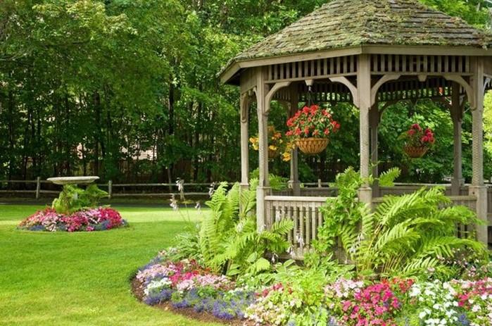 Беседка в саду: секреты ландшафтного дизайна