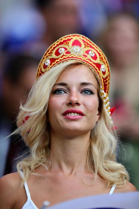 Самая красивая российская болельщица оказалась порнозвездой