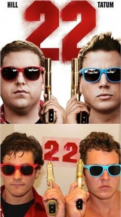 Двадруга смешно пародируют плакаты известных фильмов