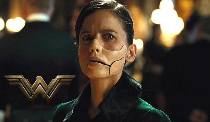 Супергеройский фильм «Чудо женщина»: женский принцип победы