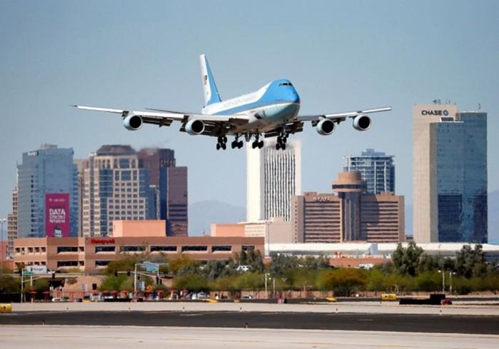 Летающая крепость американского президента