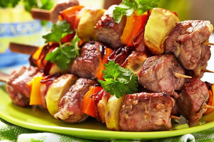 Шашлык из свинины: ароматное и нежное мясо!
