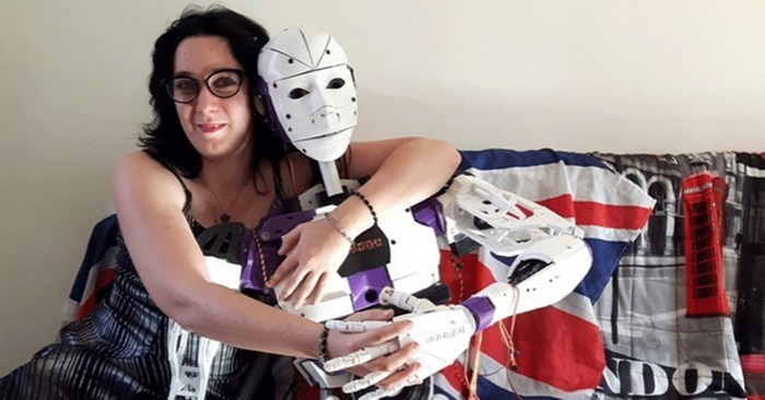 Девушка распечатала себе идеального парня на 3D принтере