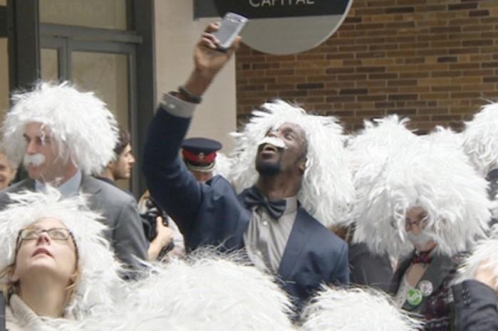 Мировой рекорд по количеству «эйнштейнов» поставили в Торонто