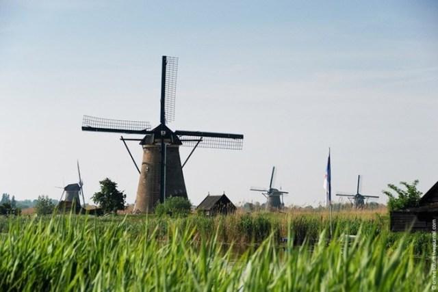 В какой стране изобрели ветряные мельницы?