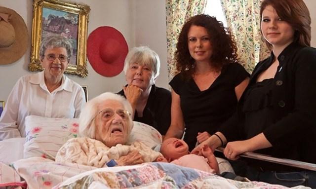 Удивительные семейные портреты с представителями нескольких поколений