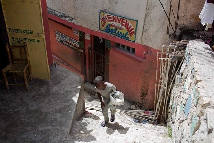 Как живут современные дети рабы на Гаити