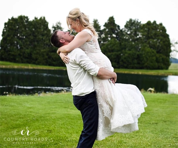 «Третий лишний»— свадебная фотосессия с участием лучшего друга жениха