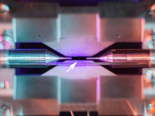 Ученые впервые в истории получили изображение атома