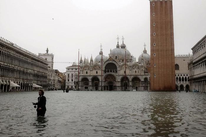 Прогулка по затопленной Венеции: фотографии