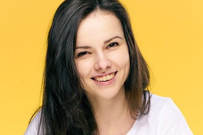 Ослепительная желтизна: 6 причин пожелтения зубов