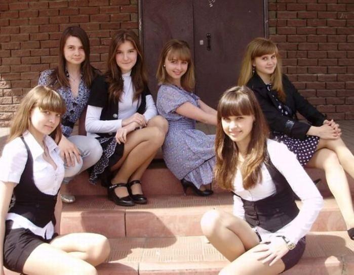 «Современные школьницы»: подборка фото из 2012 года