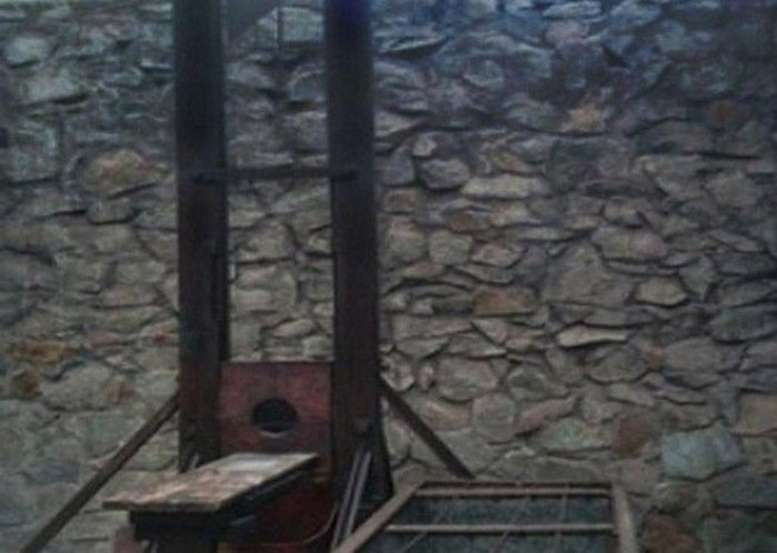 Почему машину для казни изобрел не французский доктор Гильотен