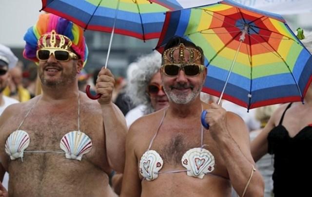 Специальная программа определяет геев по внешности